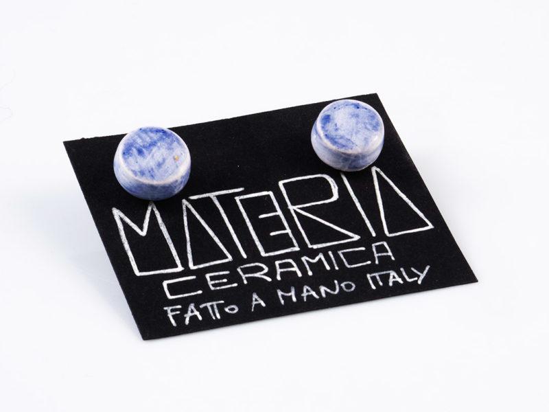 """Orecchini in ceramica """"Bottoni sfumati blu""""-Materia Ceramica"""