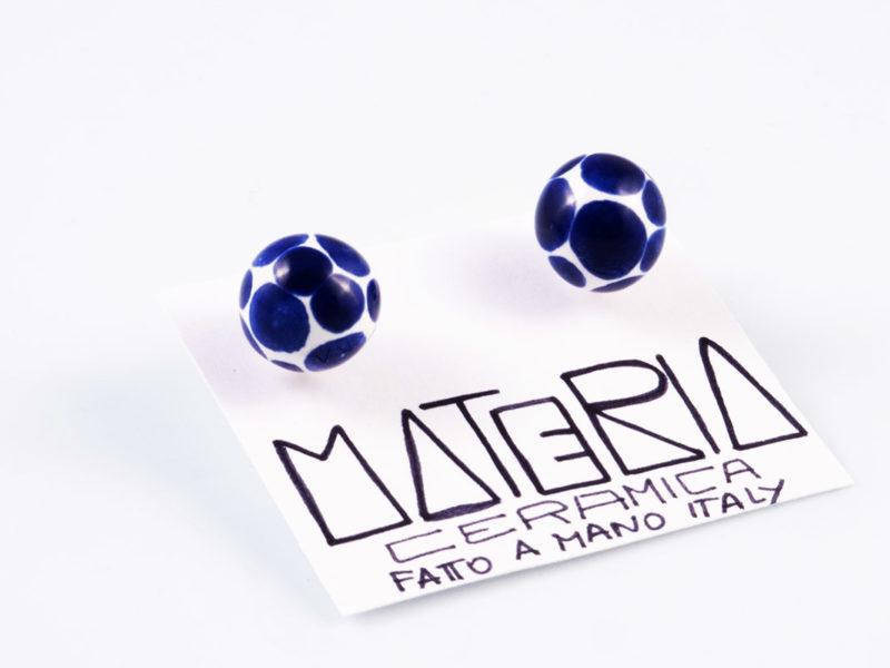 """Orecchini in ceramica """"Sfere pois blu notte"""" - materia ceramica"""
