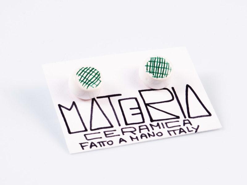 """Orecchini in ceramica """"Bottoni righe verde petrolio"""" - Materia Ceramica"""