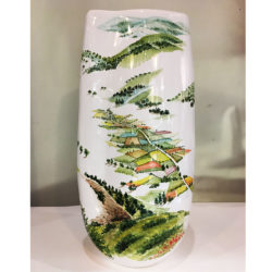 Vaso in ceramica con veduta di Castelluccio di Norcia | Materia Ceramica Perugia